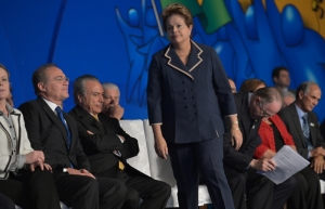 Wilson Dias/ABr ABr100713WDO 7509 Brasília - A presidenta Dilma Rousseff participa da 16ª Marcha a Brasília em Defesa dos Municípios