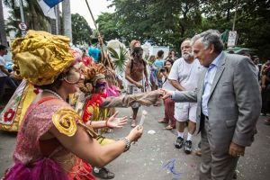Juca Ferreira foi recebido com cortejo na 9ª Bienal da UNE. (Foto de Gustavo Serrate)