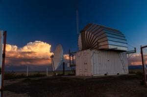 Observatório Pierre Auger estuda os raios cósmicos ultraenergéticos que chegam até a Terra medindo os chuveiros atmosféricos extensos produzidos por eles na atmosfera (Pierre Auger Observatory)