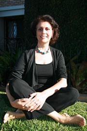 """Maria Tereza de Queiroz Piacentini, autora dos livros """"Português para Redação"""" e """"Só Vírgula"""", diretora do Instituto Euclides da Cunha, www.linguabrasil.com.br"""