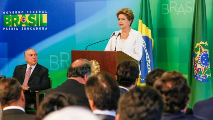 Dilma-corta-salários
