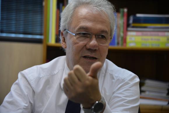 Secretário de Educação Básica do MEC, Manuel Palacios, avalia que a discussão de uma Base Nacional Comum Curricular vai trazer resultados importantes para melhorar a qualidade da educação no país Valter Campanato/Agência Brasil