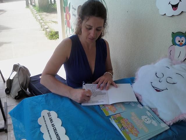 Resultado de imagem para LANÇAMENTO LITERATURA INFANTIL HAJI E A ROSA