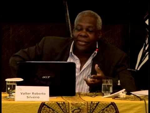 Valter Roberto Silvério, do Departamento de Sociologia (DS)